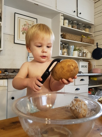 learning to use kitchen tools